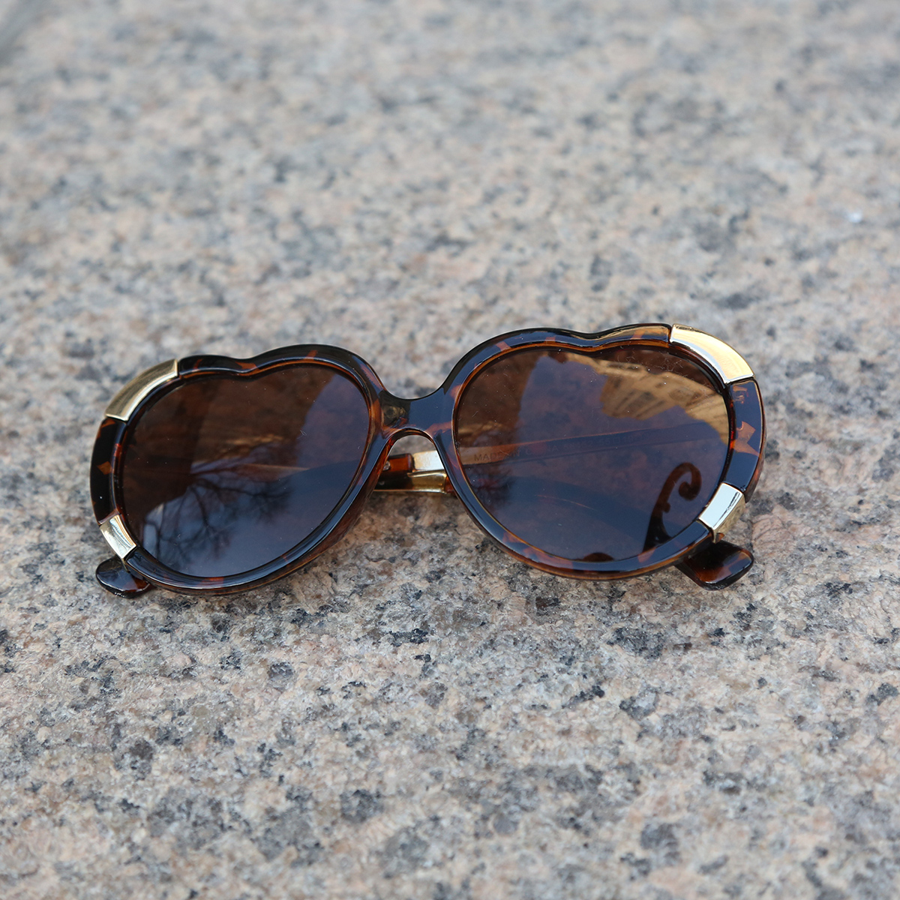 A.J. Morgan Sunglasses - Heart Stomper